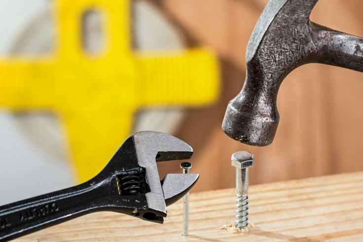 grey metal hammer